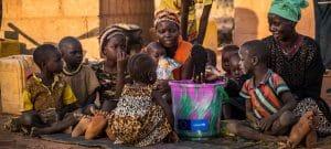 """ONU vê """"danos económicos sem precedentes"""" e pede US$ 2,5 trilhões para países em desenvolvimento"""